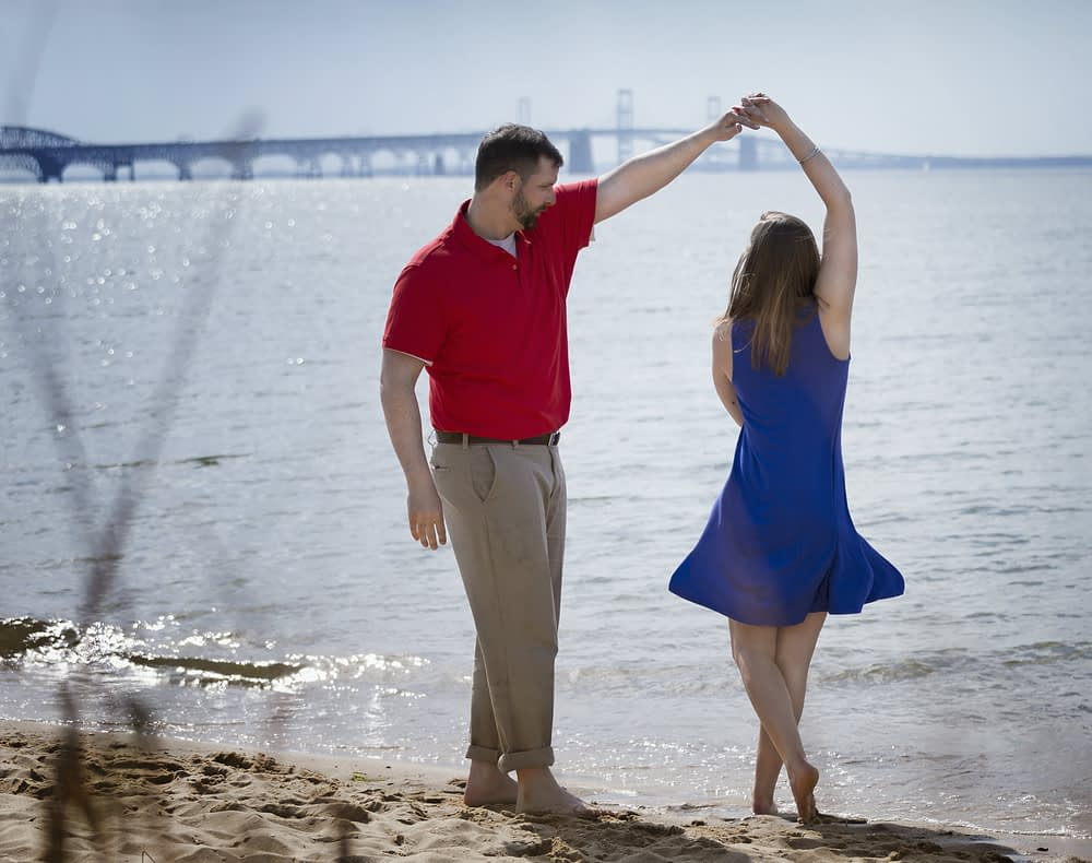couple dancing on the beach at Chesapeake Bay